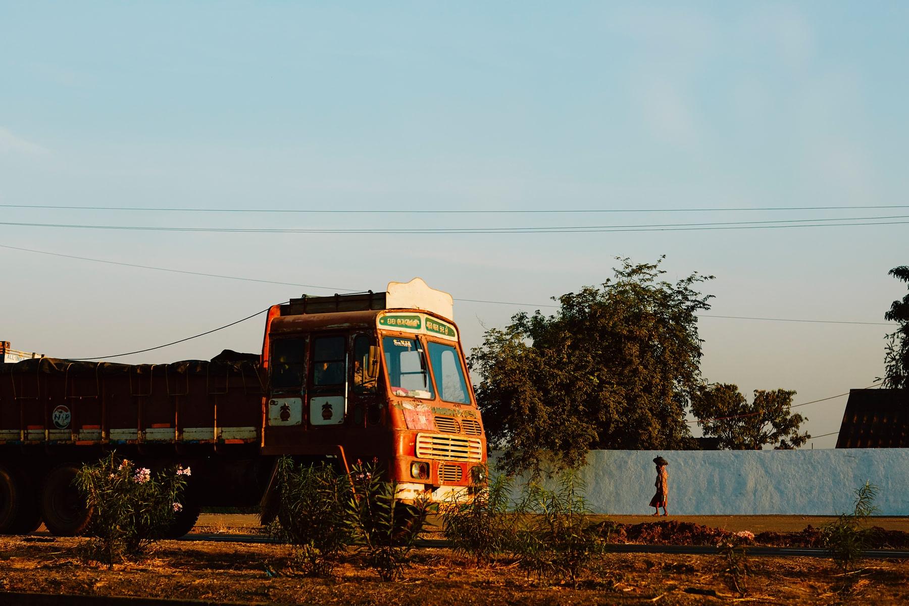 Matt_Russell_India_Road_Car